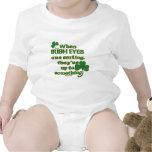 El chiste irlandés de los ojos en niño de la diver trajes de bebé
