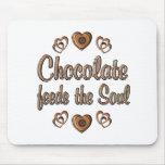 El chocolate alimenta el alma tapete de ratones