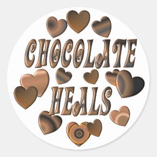 El chocolate cura etiqueta redonda