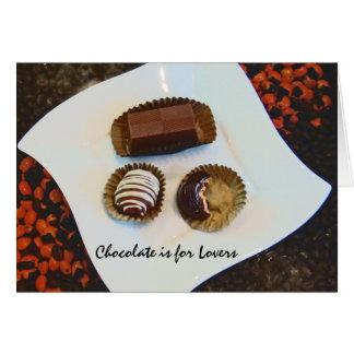 El chocolate está para los amantes tarjeta de felicitación