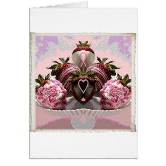 El chocolate rosado de la cinta sumergió las fresa tarjeton