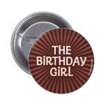 El chocolate trabaja al chica del cumpleaños pin
