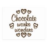 El chocolate trabaja maravillas postales