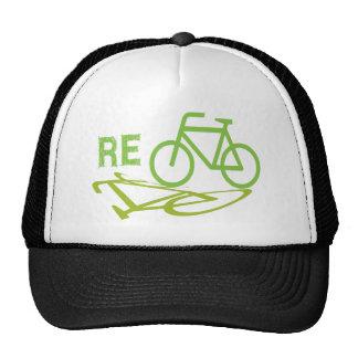El ciclo, bicicleta, recicla gorras de camionero