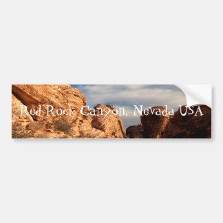 El cielo azul de BLUSK resuelve la roca roja Pegatina De Parachoque