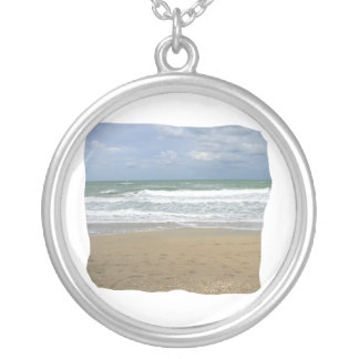 El cielo de la arena del océano se descoloró fondo collares personalizados