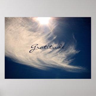 El cielo hermoso y la gratitud inspira póster