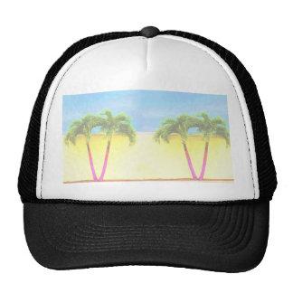 El cielo retro de dos árboles de la palma se desco gorras de camionero