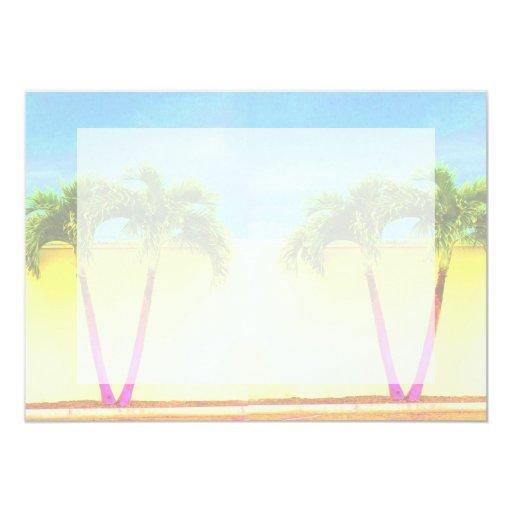 El cielo retro de dos árboles de la palma se anuncios