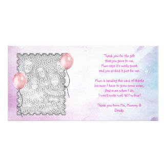 El cielo rosado le agradece cardar de niña tarjetas personales con fotos