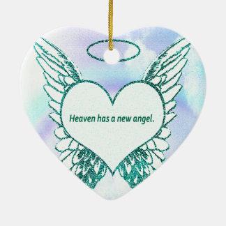 El cielo tiene un nuevo ángel adorno de cerámica en forma de corazón
