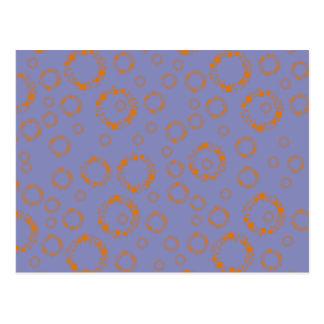 el círculo azul anaranjado femenino ajusta arte postal