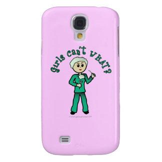 El cirujano de sexo femenino ligero en verde frieg