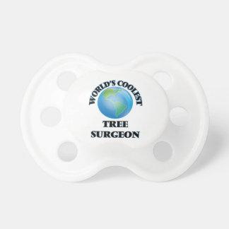 El cirujano del árbol más fresco del mundo chupete de bebé