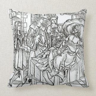 El cirujano y los ayudantes visitan a un hombre gr almohada