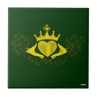 El Claddagh (oro) Azulejo Cuadrado Pequeño
