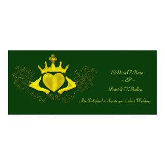 """El Claddagh (oro) Invitación 4"""" X 9.25"""""""