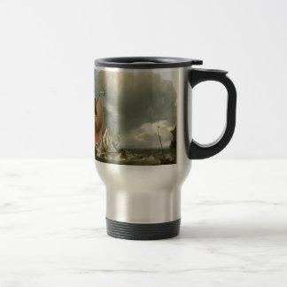El clavar con tachuelas del yate del velero y de l tazas de café