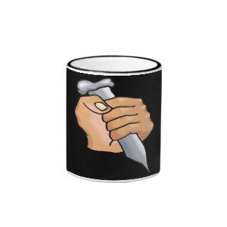 El clavar tazas de café