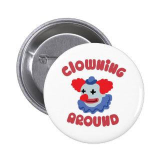 El Clowning alrededor Chapa Redonda 5 Cm