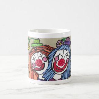 El Clowning alrededor Taza Clásica