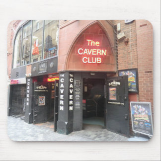 El club de la caverna en la calle de Mathew de Liv Alfombrillas De Ratones