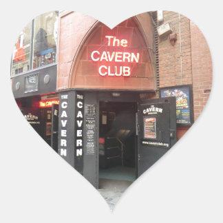 El club de la caverna en la calle de Mathew de Pegatina En Forma De Corazón