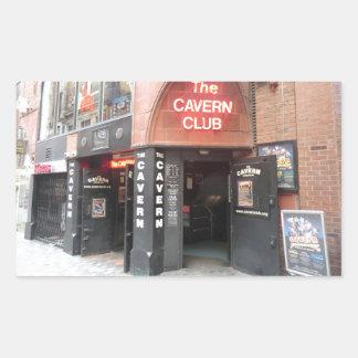 El club de la caverna en la calle de Mathew de Pegatina Rectangular