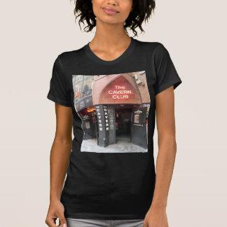 El club de la caverna en la calle de Mathew de Camiseta