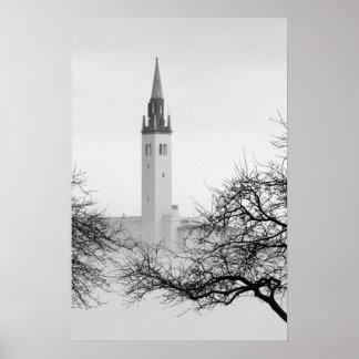 El club náutico de Grosse Pointe en niebla del nav Posters