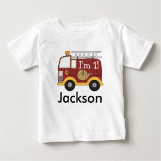 El coche de bomberos lindo embroma el cumpleaños playera de bebé
