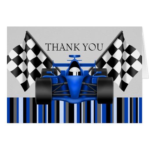 El coche de carreras azul le agradece cardar felicitación