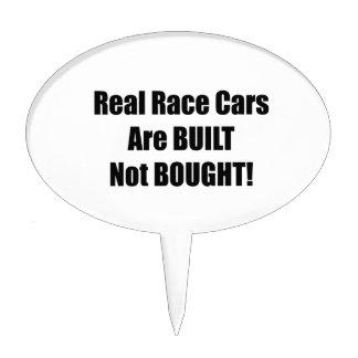 El coche de carreras real se construye no comprado figura de tarta