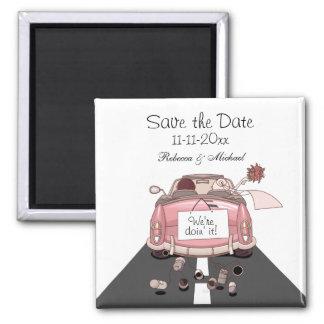 """El coche de partida rosado de novia y del novio """"a iman para frigorífico"""