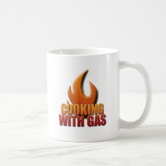 El cocinar con el gas tazas de café