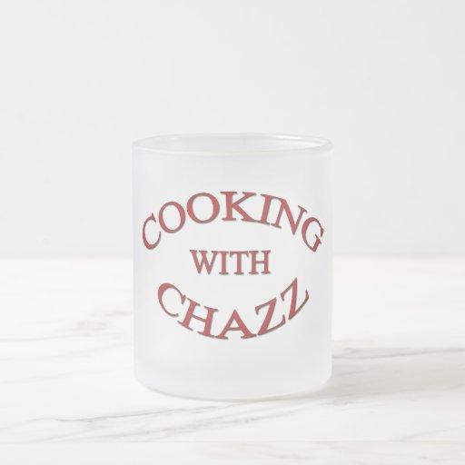 El cocinar con la taza de Chazz