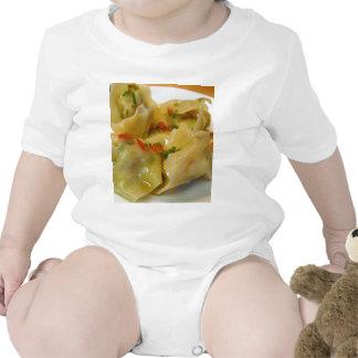 El cocinar de la cena de Foos de los Wontons Traje De Bebé