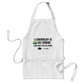 El cocinar de la química delantales