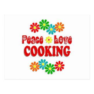 El cocinar del amor de la paz postal