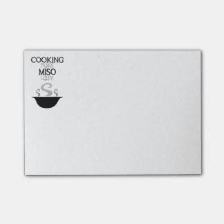 El cocinar hace Miso notas de post-it felices Post-it® Notas