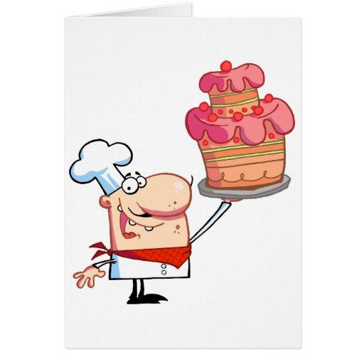 El cocinero orgulloso soporta la torta tarjeta de felicitación