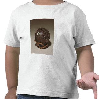 El coco esculpió en una cara, c.1895 camisetas