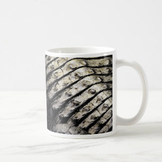 el cocodrilo escala el modelo oscuro abstracto ase tazas de café