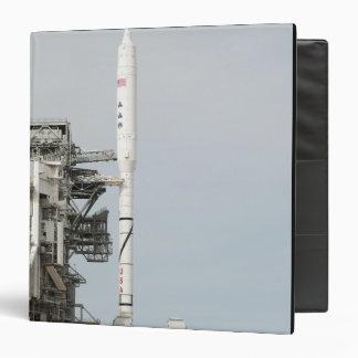 El cohete de Ares IX se ve en la plataforma de lan