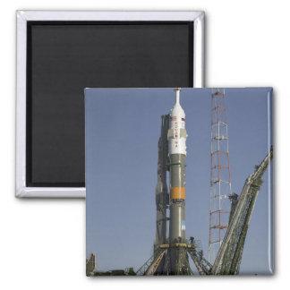 El cohete de Soyuz se erige en la posición 2 Imán Cuadrado