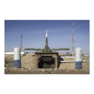 El cohete de Soyuz se erige en la posición Arte Fotografico