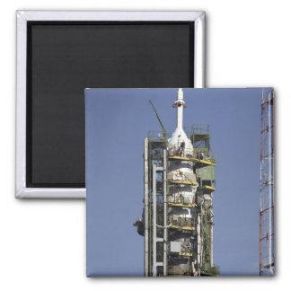 El cohete de Soyuz se erige en la posición Imán Cuadrado