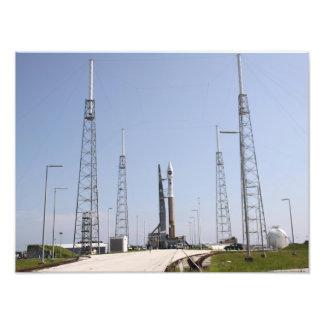 El cohete del atlas V/Centaur en el comple del Fotografias
