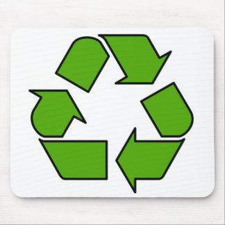 El cojín de ratón con verde recicla símbolo tapetes de ratones