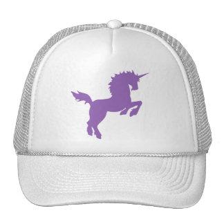 El coleccionable colorea unicornio en el casquillo gorro de camionero